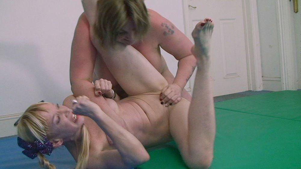 Wrestling girls porn free